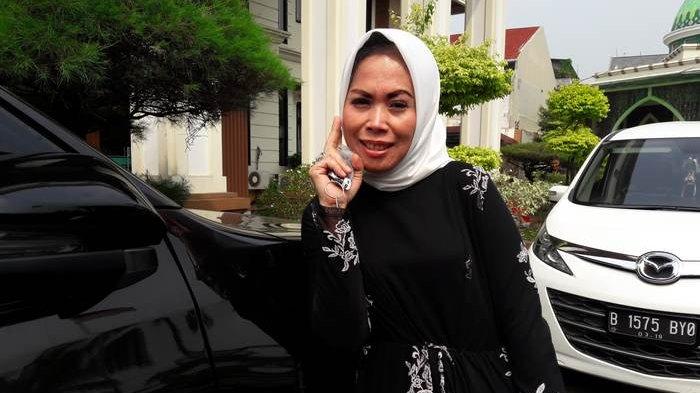 Anita Desy Farida di Pengadilan Agama Jakarta Selatan, Pasar Minggu, Jakarta Selatan, Senin (23/7/2018).