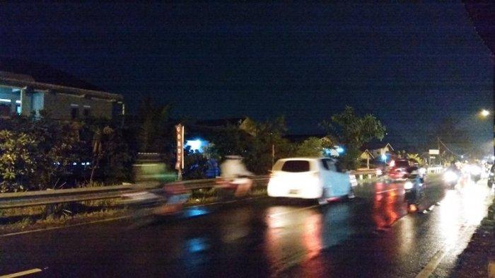 Terpantau Hujan dan Lalu Lintas di Kawasan Cilendek Kota Bogor Ramai Lancar