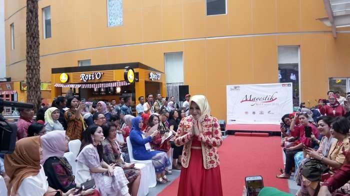 Fashion Show di Pasar Mayestik, UMKM Diharapkan Naik Kelas