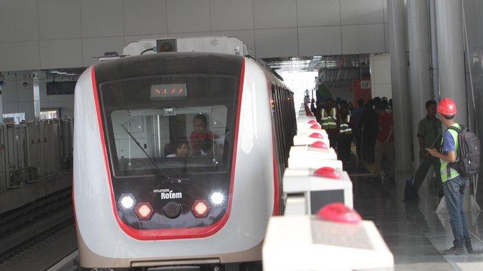 BERITA FOTO: Uji Coba Kereta LRT Jakarta