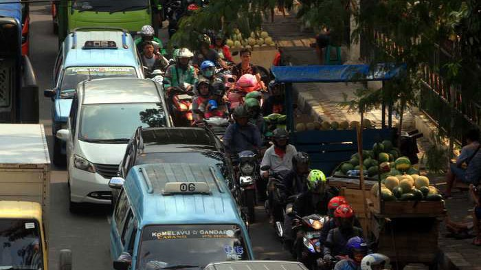 BERITA FOTO: PKL Menjamur Bikin Macet Jalanan