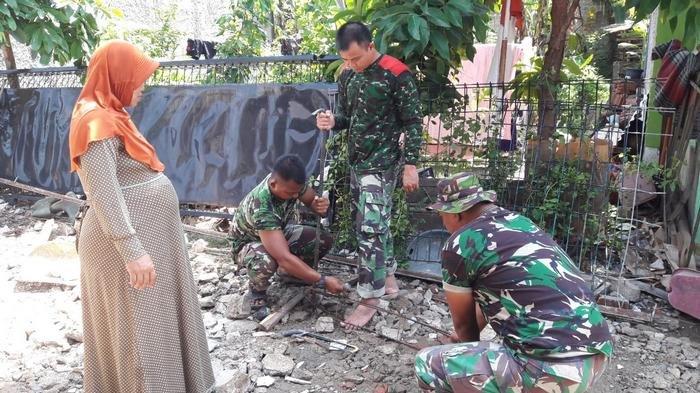 Hari Libur, Satgas TMMD Tetap Bekerja Normalisasi Sungai dan Bangun Jalan di Depok