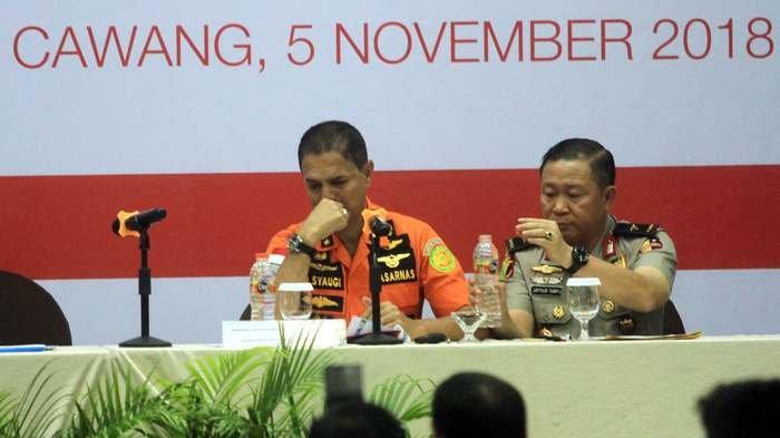 Kepala Basarnas Ikut Nangis saat Konpres Perkembangan Lion Air, Berikut Foto-fotonya