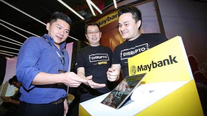 BERITA FOTO: Maybank Indonesia Jalin Kerjasama dengan Tokopedia untuk Manjakan Nasabah