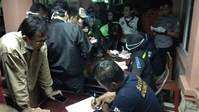 Polisi Buka Posko Pelaporan Keluarga Korban Tsunami Selat Sunda di RSUD Pandeglang