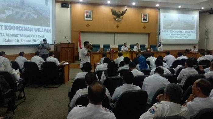 Musim Penghujan, Wali Kota Jaktim Imbau Lurah dan Camat Bertisipasi saat Kerja Bakti