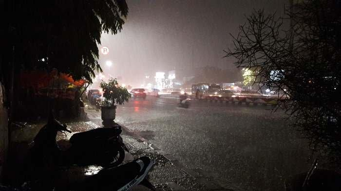 Pengaruh La Nina, Hujan Sedang Hingga Lebat Berpotensi Terjadi di Jakarta dan Sejumlah Daerah Ini