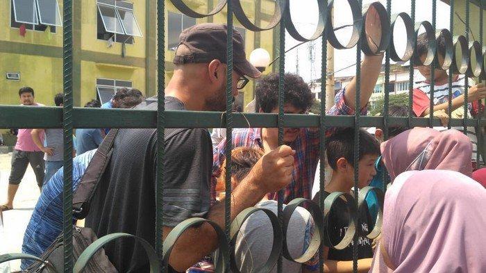 Dinsos Pastikan Makanan Para Pencari Suaka Bukan dari DKI