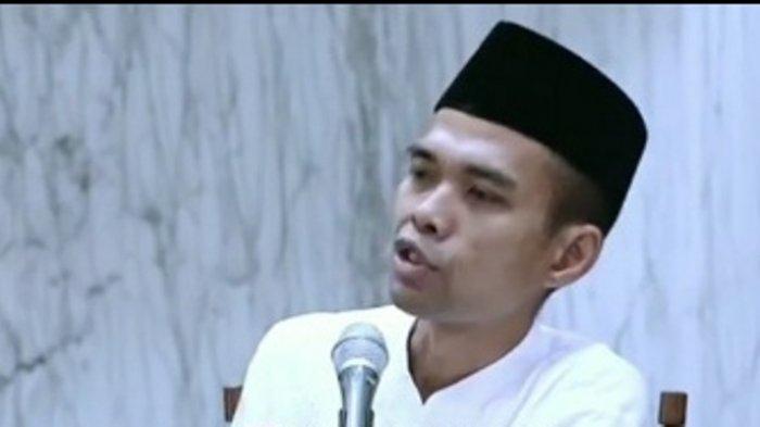 Tantangan Ustadz Abdul Somad Bawa Tumpukan Buku Tebal Minta Pelaku Semburan Ujaran Kebencian Datang