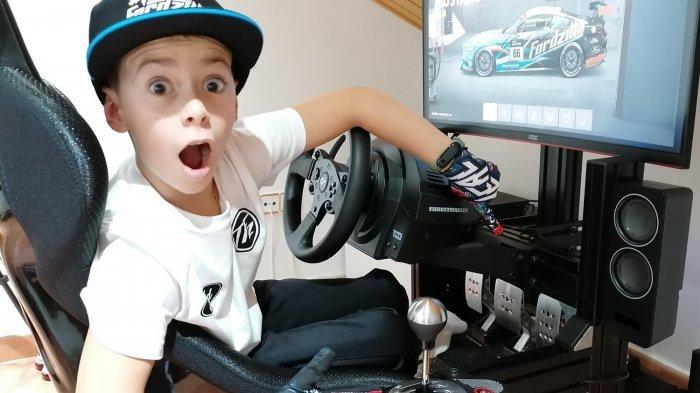 Bocah 10 Tahun ke Grand Final Kejuaraan Esports Simulasi Balap dengan Video Game Gran Turismo