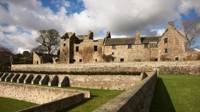 Aberdour Castle, Skotlandia