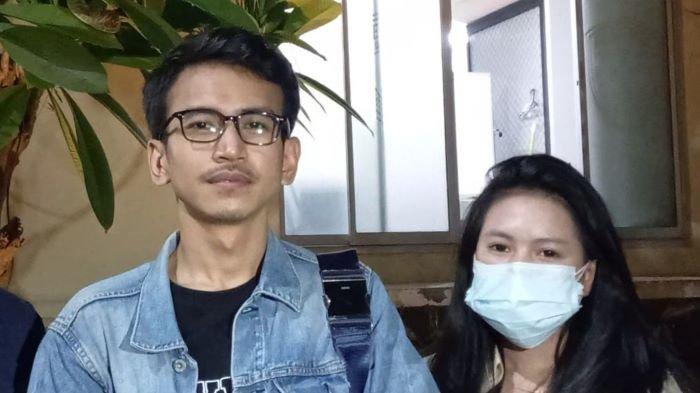 Pengamat media sosial Adam Deni setelah menjalani pemeriksaan atas laporannya terhadap Jerinx SID di Polda Metro Jaya, Semanggi, Jakarta Selatan, Rabu (14/7/2021) malam.
