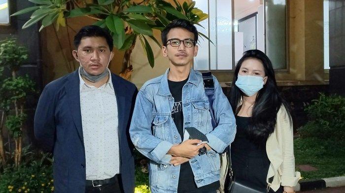 Pegiat Media Sosial Adam Deni Tuding Taqy Malik Gelapkan Dana Umrah Jemaah Taqychan Travel, Ada Apa?