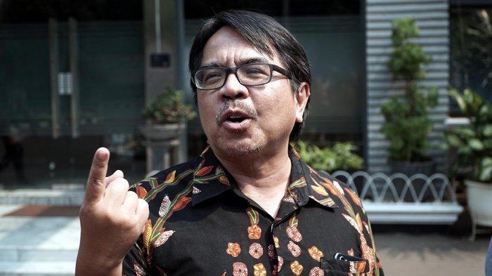 Buka Warung Siang Hari di Serang Terancam Penjara dan Denda, Ade Armando: Indikasi Keterbelakangan
