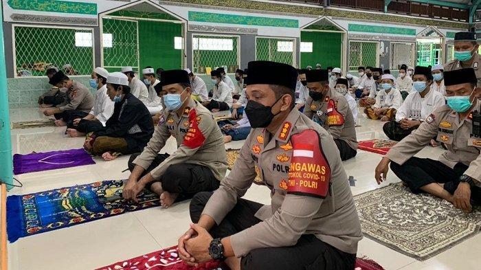 Kapolres Jakarta Barat Kenang Ramadan di Bali, Kumandangkan Takbir Idul Fitri saat Umat Hindu Nyepi