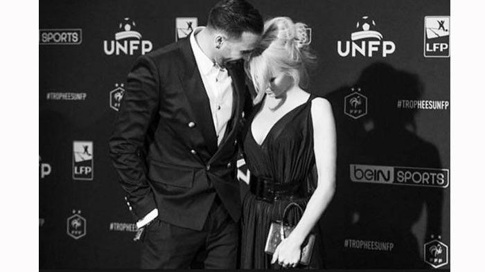 Ini Kisah Kehidupan di Balik Ranjang Mantan Pemain Timnas Prancis Adil Rami dengan Pamela Anderson