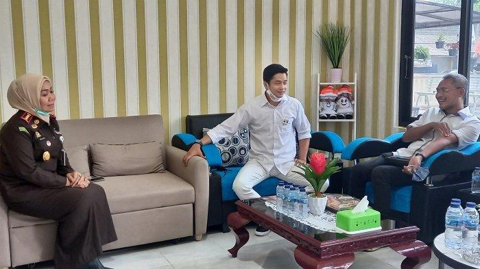 Dukung Adly Fairuz, Sederet Musisi, Artis Sinetron, dan Artis Senior Ramaikan Kampanye di Karawang