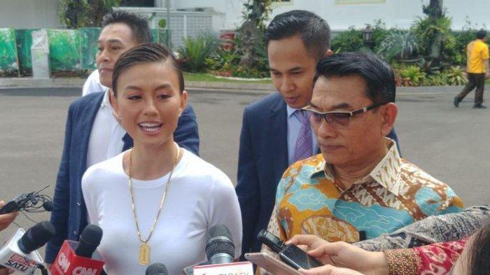 Agnes Monica usai bertemu Presiden Jokowi di Istana Kepresidenan, Jakarta, Jumat (11/1/2019). Agnes akan diusung PKB untuk Pilkada DKI Jakarta karena dianggap punya empati pada rakyat Jakarta