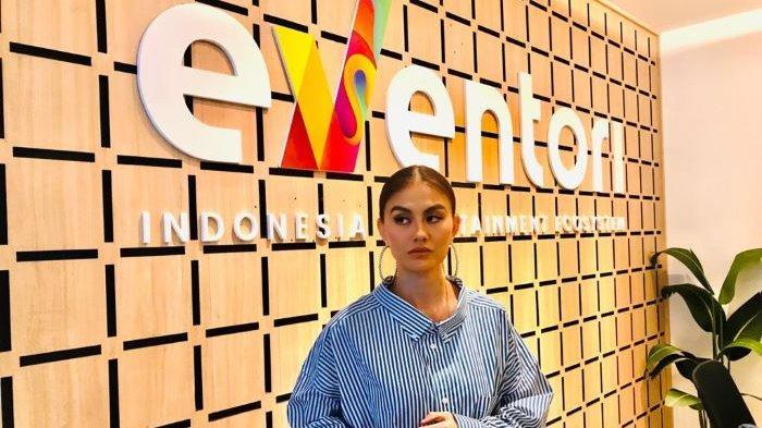 Agnez Mo disela berbincang dalam Webinar Indonesia Entertainment Outlook 2021 garapan platform digital Eventori, Senin (23/11/2020) sore.