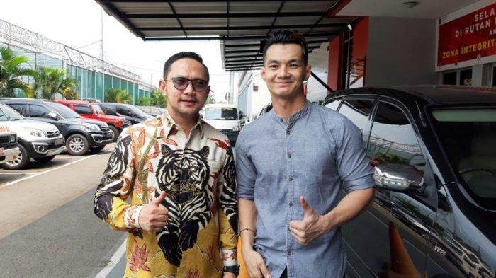 Agung Saga keluar dari Rumah Tahanan Cipinang, Jakarta Timur, Rabu (7/10/2020) pukul 13.00 WIB.