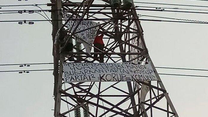 Agustinus Woro Berulah Lagi, Kali Ini Ia Panjat Menara Sutet di Tanjung Priok