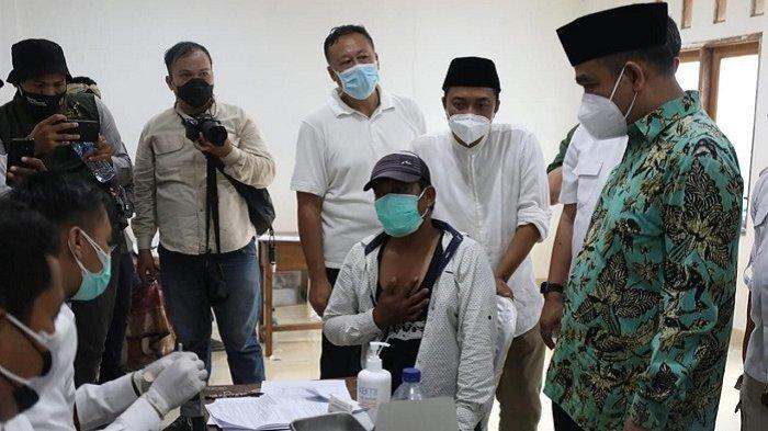 Pelaksanaan Vaksinasi Covid-19 di Ponpes Buntet Cirebon, Ahmad Muzani: Memuliakan Kehidupan Manusia