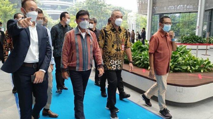 FOTO : Bupati Tangerang Dampingi Menkominfo Resmikan Traveloka Campus