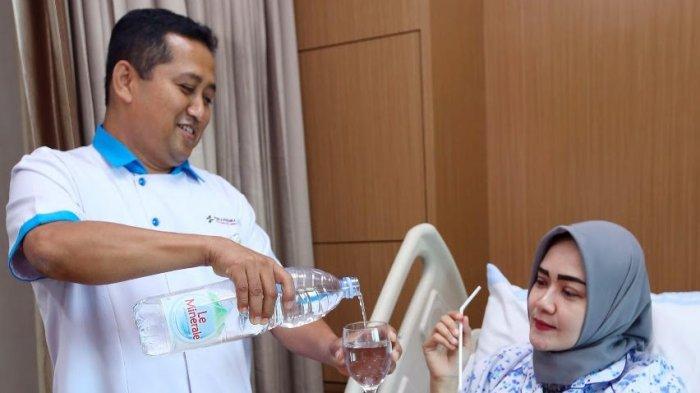 Dua Juta Botol Air Kemasan Dibagikan untuk Rumah Sakit
