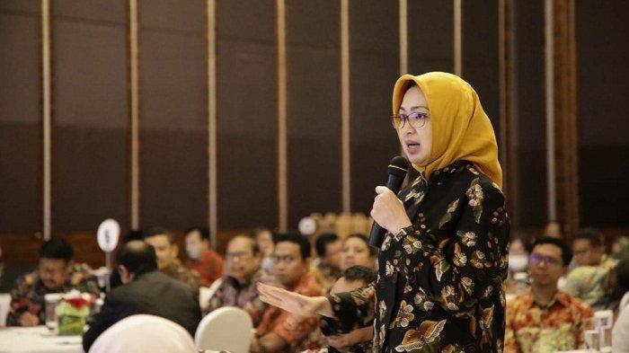 Timbulkan Kekhawatiran, Airin Minta Pemerintah Sosialisasikan RUU Cipta Kerja ke Masyarakat
