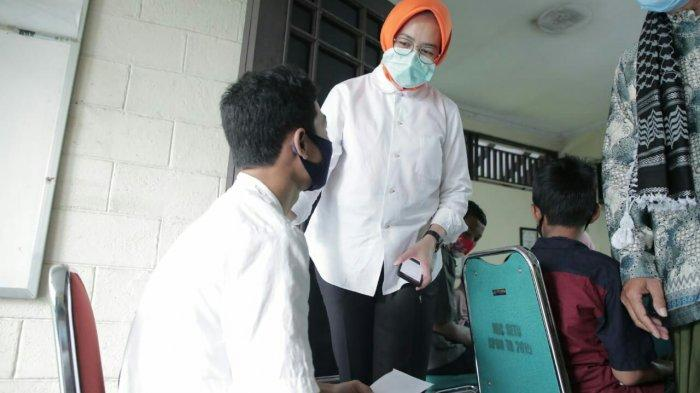 Airin Rachmi Diany Minta Doa dari para Yatim atas Pembangunan Kantor Kelurahan Bakti Jaya