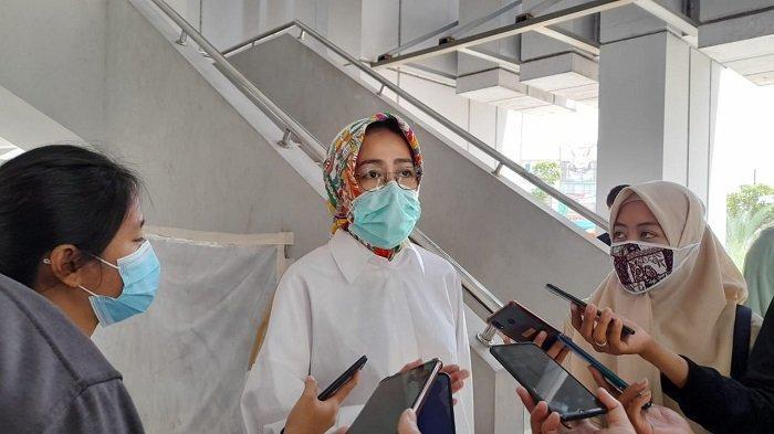 Airin Rachmi Diany Minta Masyarakat Genjot Penerapan Protokol Kesehatan saat Perpanjangan PSBB