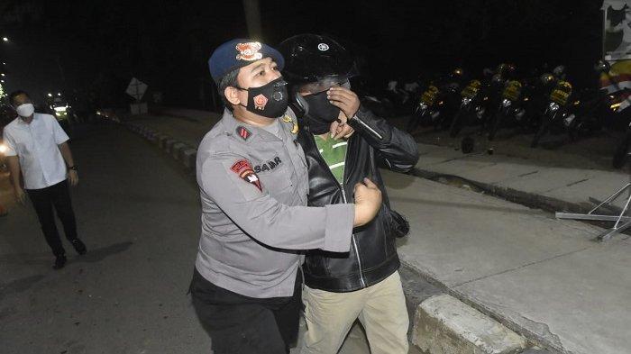 Empat Orang Provokator Agar Pemudik Terobos Barikade Diamankan Petugas