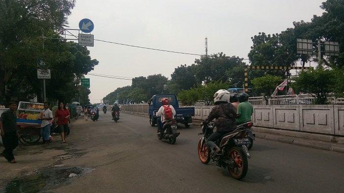 Akses Jalan Pasar Minggu-Pancoran Dibuka Lagi Usai Pembongkaran JPO Pasar Minggu