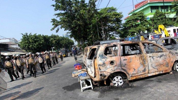 Polisi Duga Perusuh Aksi 22 Mei Bakar Asrama Brimob Petamburan untuk Rebut Senjata Aparat