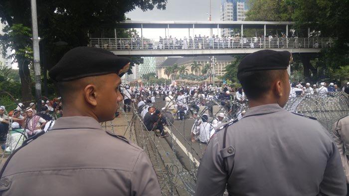 Massa Aksi 313 Membubarkan Diri