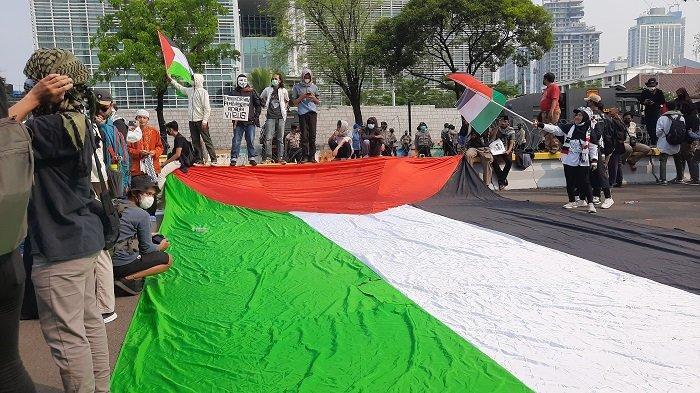 Tutup Aksi Unjuk Rasa, Massa Aksi Bela Palestina Sampaikan 8 Sikap di Kedubes Amerika Serikat
