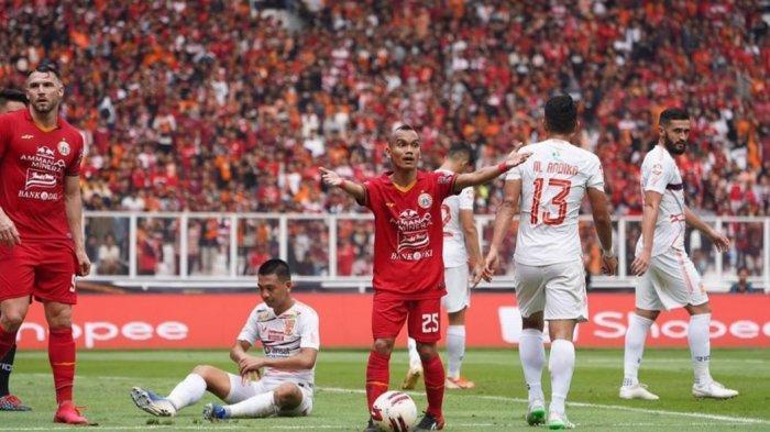 Penampilan winger Persija Jakarta, Riko Simanjuntak, di lapangan hijau.