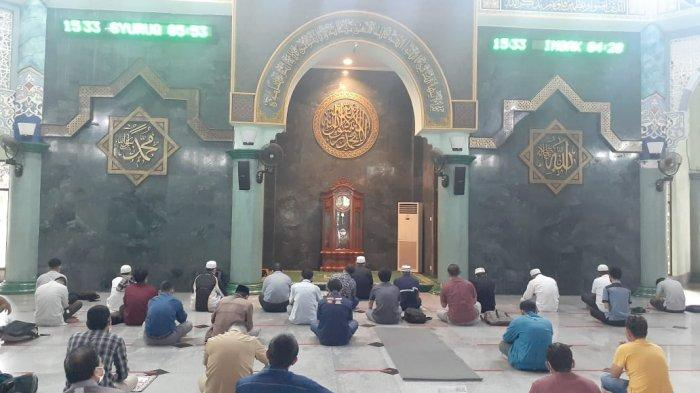 Pengurus Masjid Al Azhom Terapkan Super Ketat Protokol Kesehatan