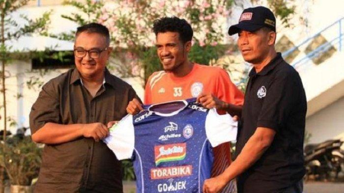 Arema FC Gaet Alfin Tuasalamony