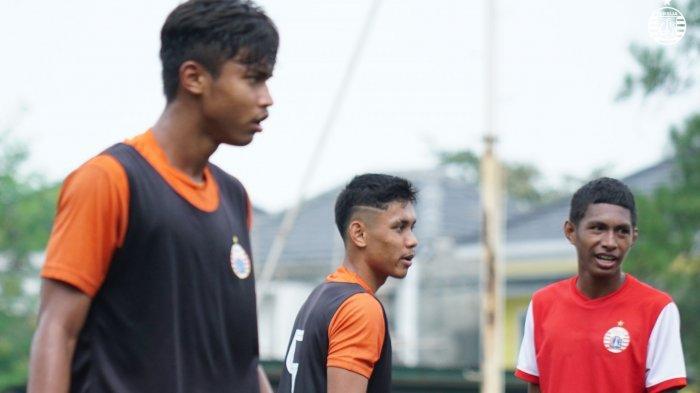 Jaga Performa di Lapangan, Nico Saputro dan Sandi Arta Samosir Latihan Bersama EPA Persija Jakarta