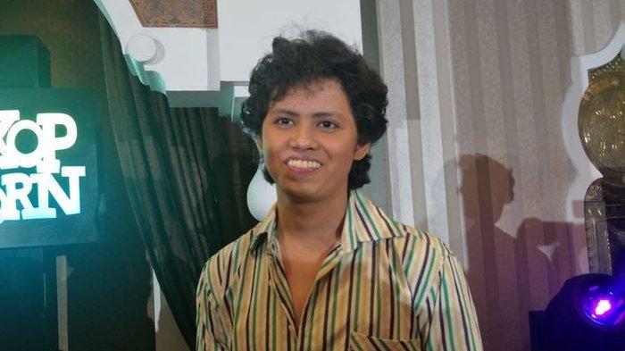 Aliando Syarief berperan sebagai Dono dalam film Warkop DKI Reborn 3 dan Warkop DKI Reborn 4.