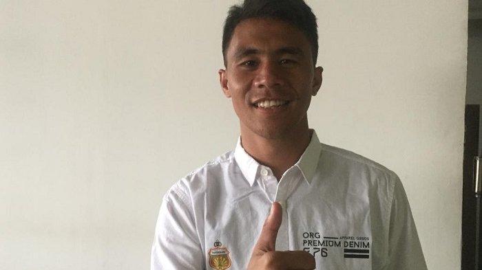 Alsan Sanda Pemain Bhayangkara FC Manfaatkan Liburan Balik Ke Kupang
