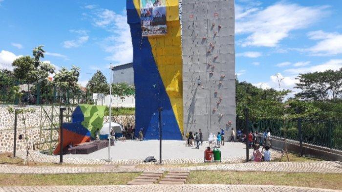 Arena Panjat Tebing di Alun-Alun Depok Dijadikan Sebagai Penjaringan Calon Atlet Muda, Gratis!