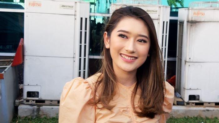 Amanda Caesa di TransTV, Jalan Kapten Tendean, Mampang Prapatan, Jakarta Selatan, Jumat (25/12/2020).
