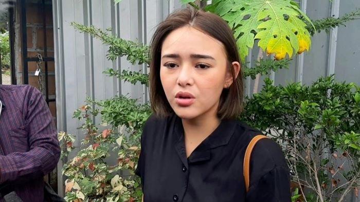 Amanda Manopo di Trans7, Jalan Kapten Tendean, Mampang Prapatan, Jakarta Selatan, Rabu (9/12/2020).