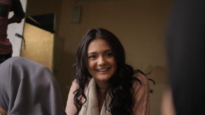 Amanda Rawles saat syuting film Ranah 3 Warna.