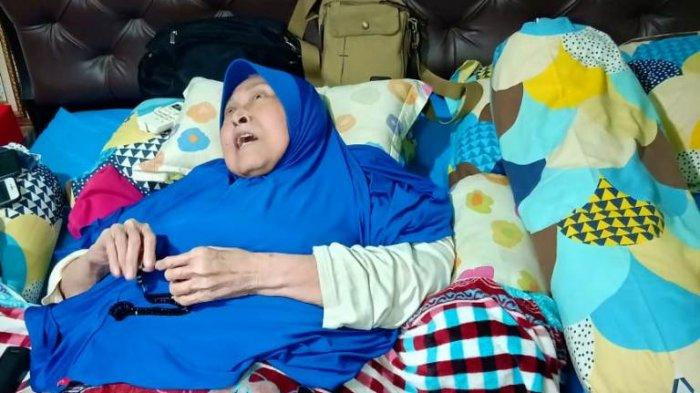 Meski Sakit dan Terbaring Lemah, Banyak Tawa dan Semangat yang Ditularkan Aminah Cendrakasih