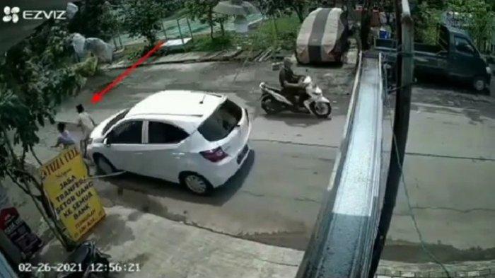 Viral, Sedang Bersepeda Anak Ini Tertabrak Mobil, Polisi: Selesai Kekeluargaan Korban Hanya Lecet