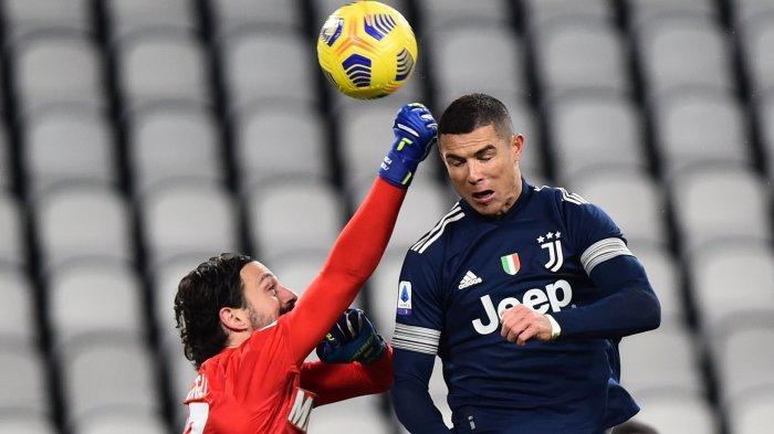 Cristiano Ronaldo Menangkan Juventus Sekaligus Cetak Dua Gol