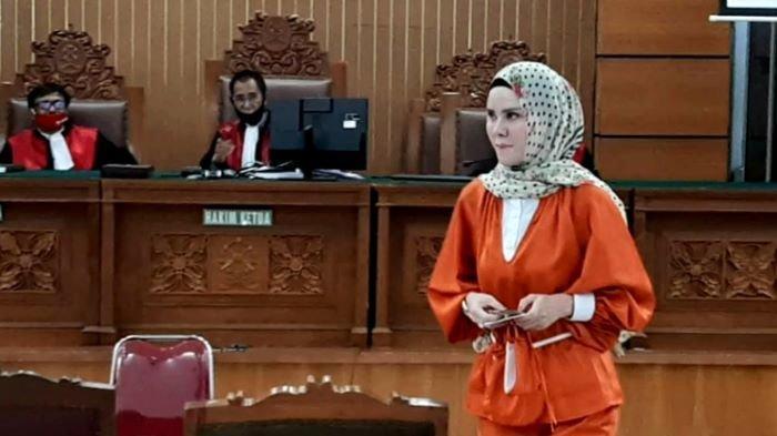 VIDEO: Angel Lelga Bosan Ceritakan Penggerebekan Vicky Prasetyo Dalam Sidang
